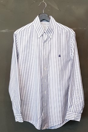 90's Brooks Brothers - Supima Cotton (S-M)